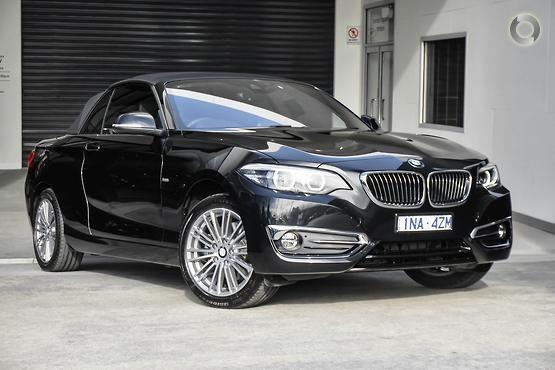 2018 BMW 220 i Luxury Line