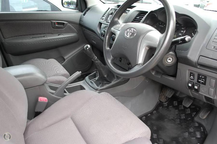 2013 Toyota Hilux SR KUN26R