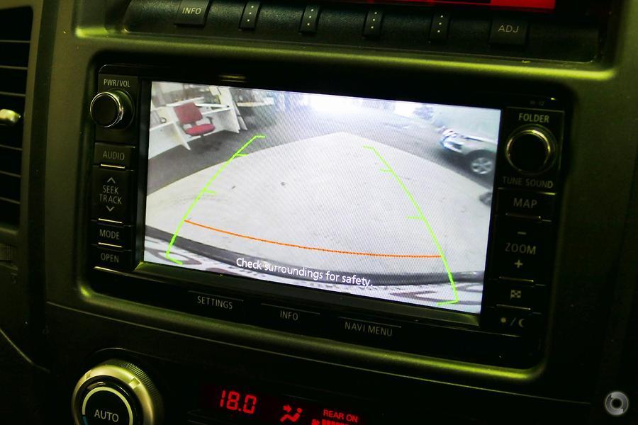 2014 Mitsubishi Pajero VR-X NW