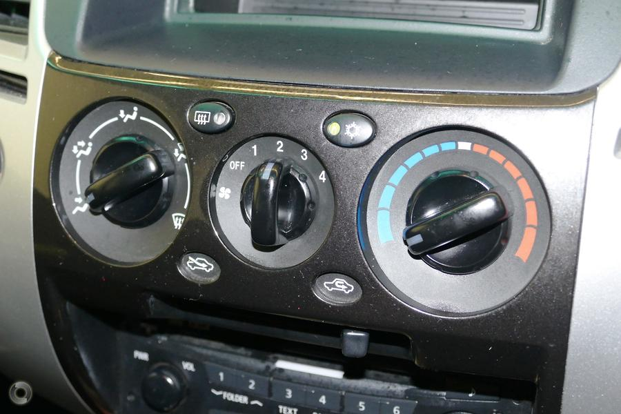 2012 Mitsubishi Challenger  PB