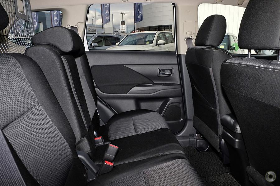 2017 Mitsubishi Outlander LS Safety Pack ZK