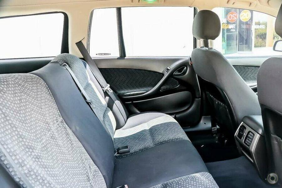 2005 Holden Adventra SX6 VZ
