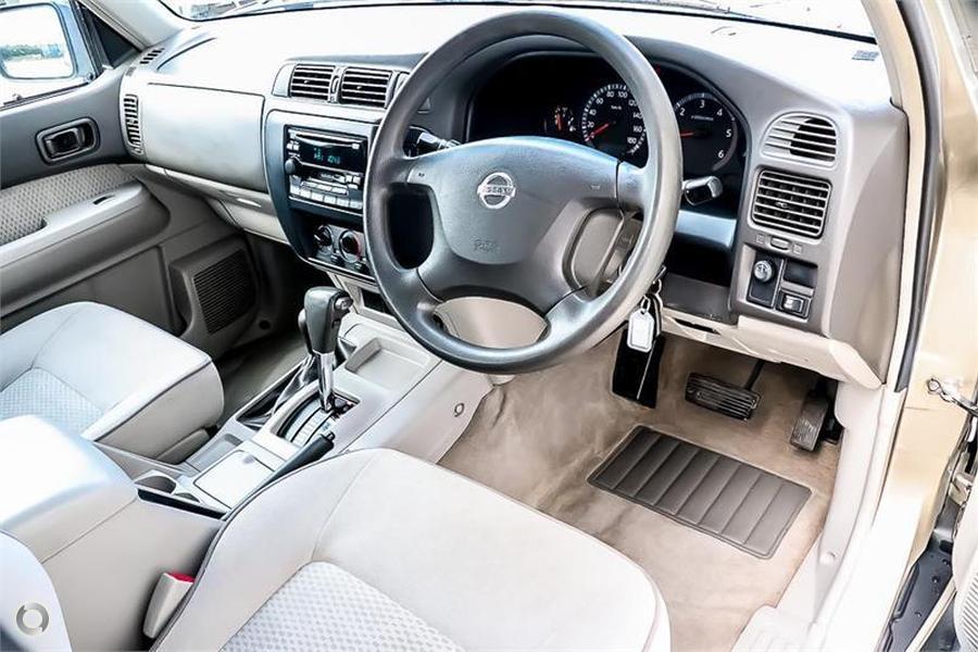 2004 Nissan Patrol ST GU III