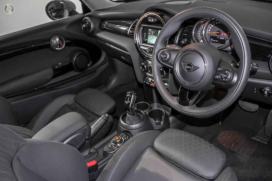 2019 MINI Hatch Cooper