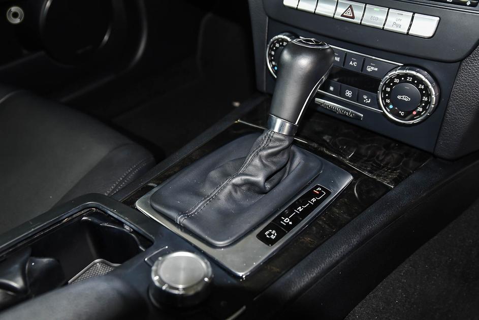 2011 Mercedes-Benz C 250 BLUEEFFICIENCY AVANTGARDE Sedan