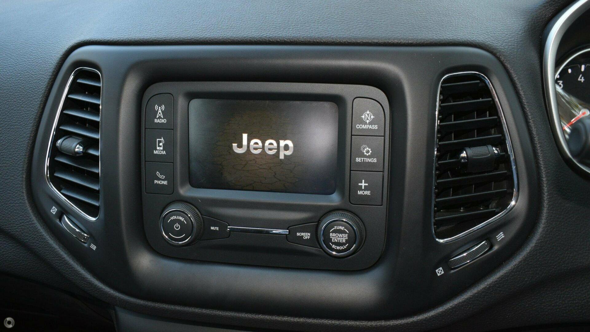 2018 Jeep Compass Sport M6
