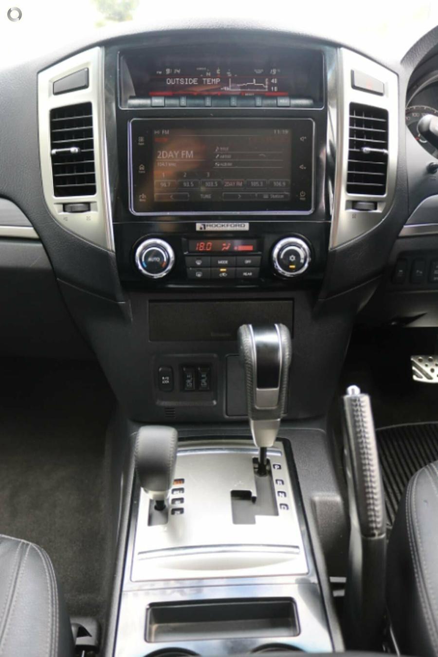 2016 Mitsubishi Pajero Exceed NX