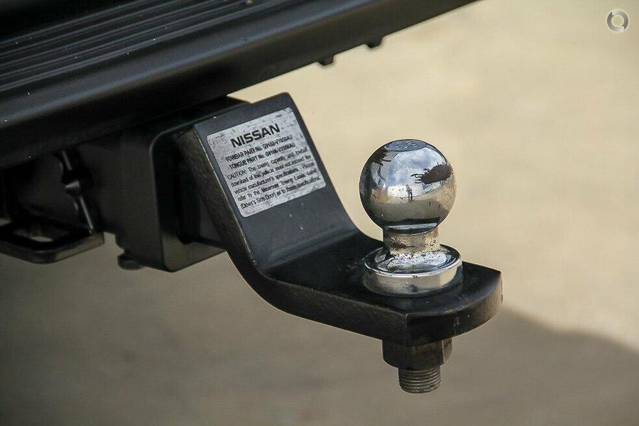 2013 Nissan Navara ST-R D22