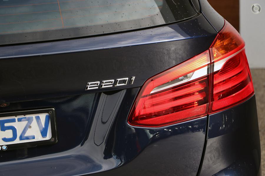 2018 BMW 2 Series 220i Luxury Line
