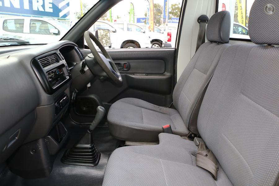 2002 Mitsubishi Triton GL MK