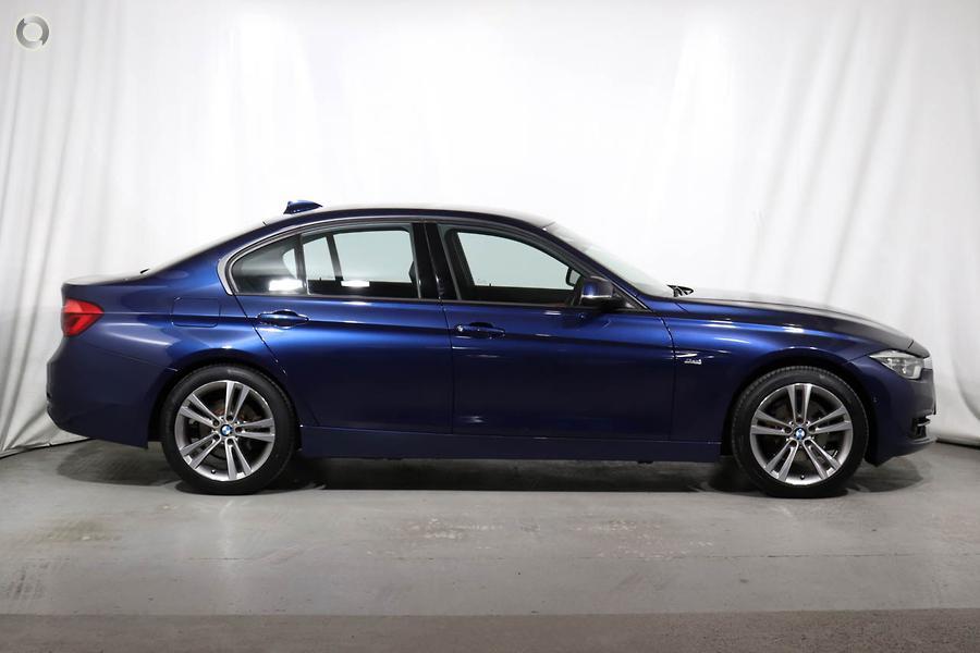 2018 BMW 318i Sport Line