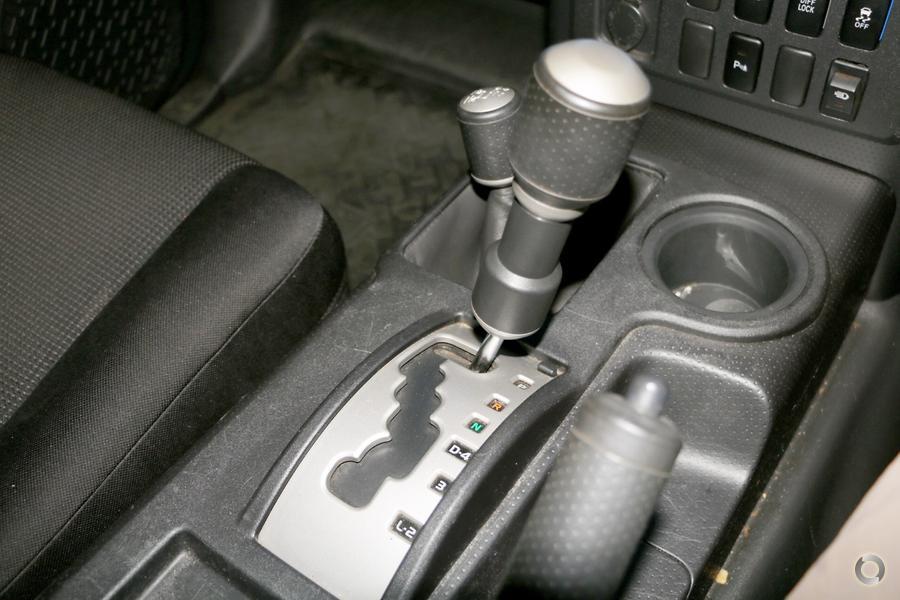 2011 Toyota Fj Cruiser  GSJ15R
