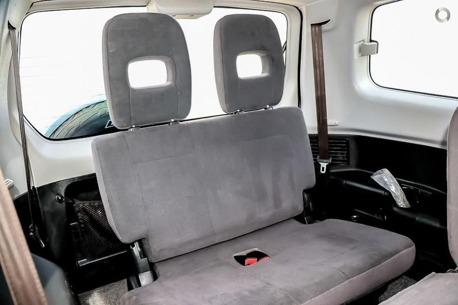 2005 Mitsubishi Pajero GLS NP