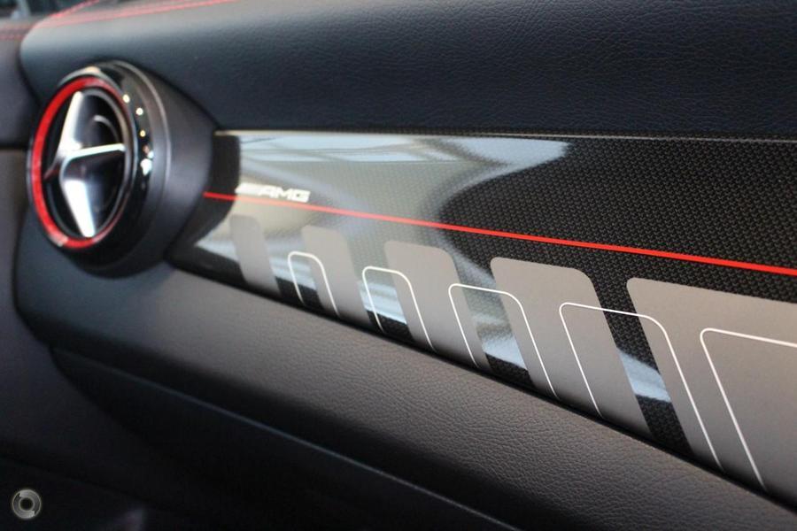 2017 Mercedes-AMG CLA 45 Shooting Brake