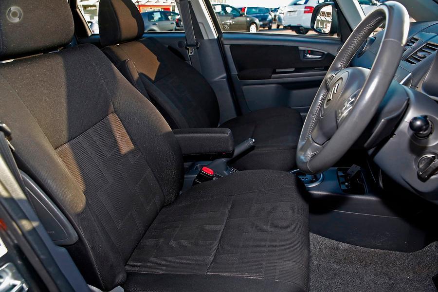 2010 Suzuki SX4 S GYB
