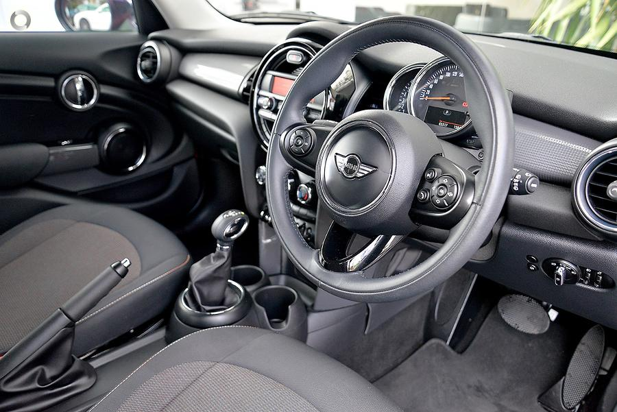 2016 MINI Hatch Cooper F55