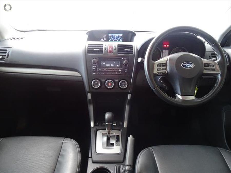2014 Subaru Forester 2.5i Luxury S4
