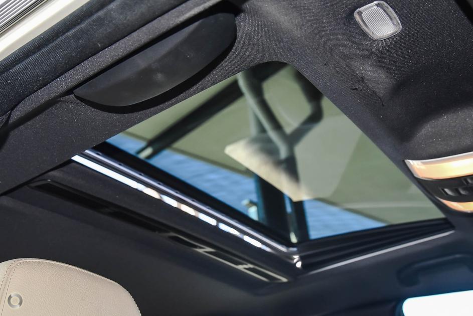 2011 Mercedes-Benz C 250 BLUEEFFICIENCY ELEGANCE Sedan