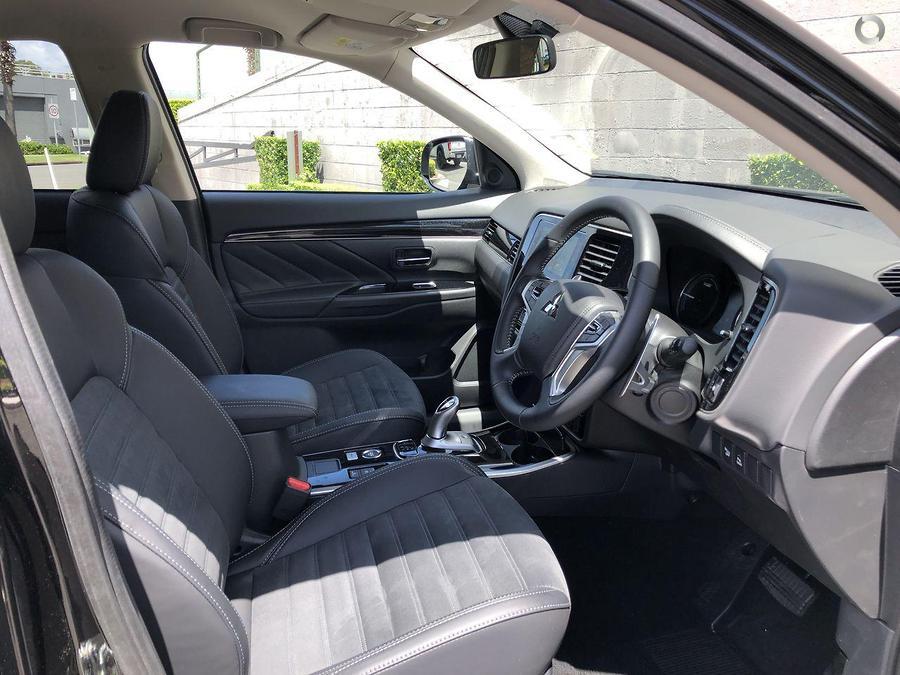 2019 Mitsubishi Outlander PHEV ES ZL