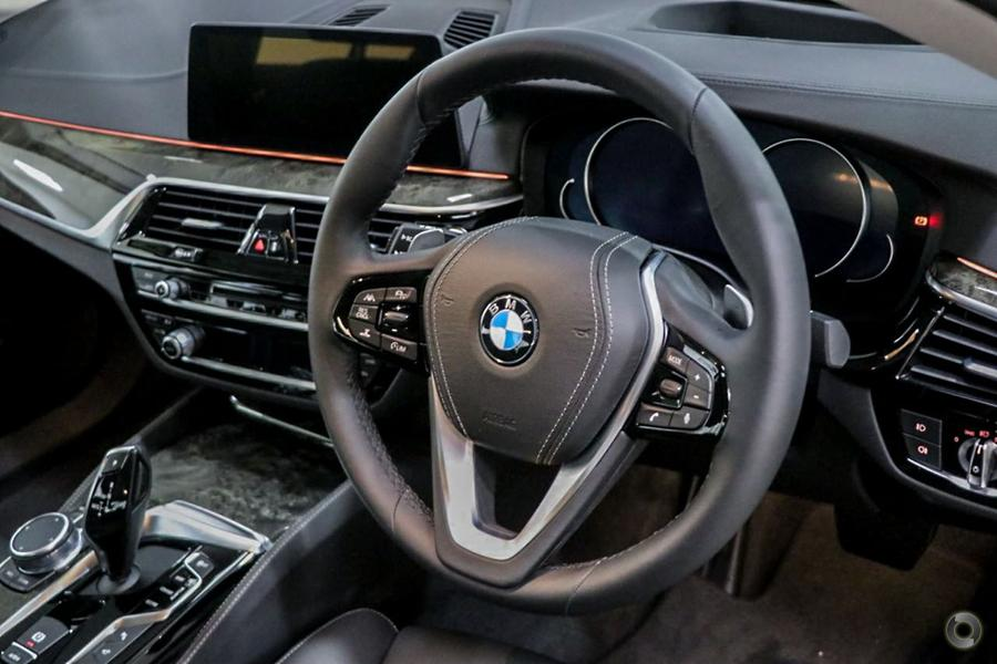 2018 BMW 530i Luxury Line