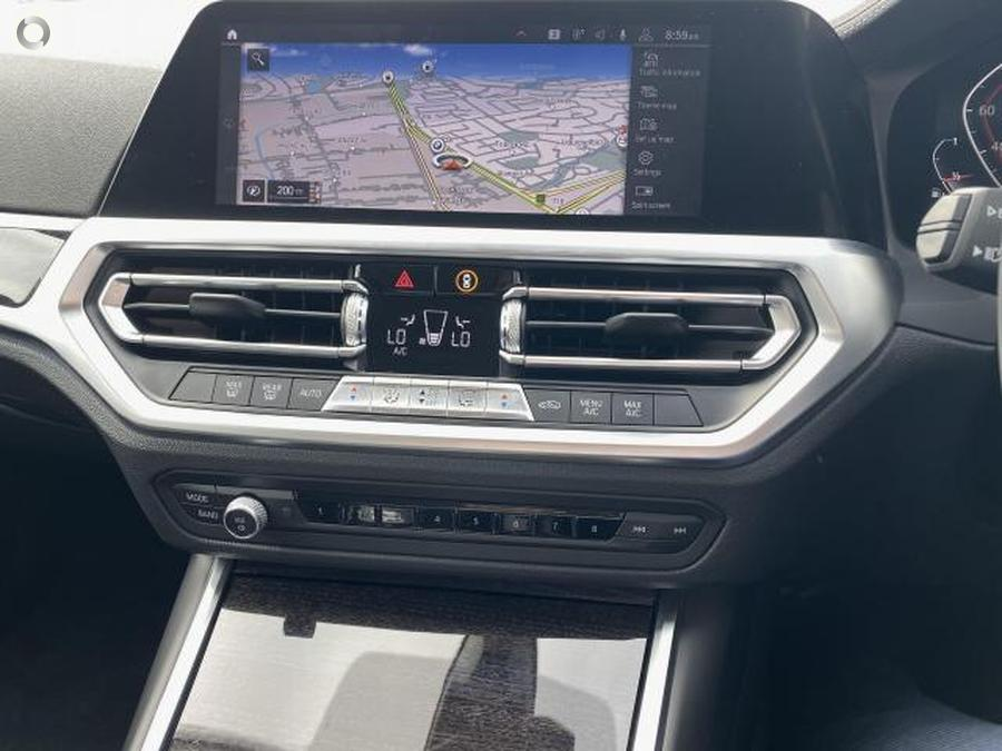 2019 BMW 320i Luxury Line