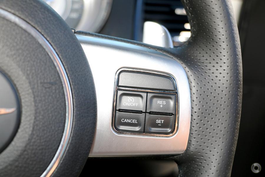 2013 Chrysler 300 SRT-8 Core LX