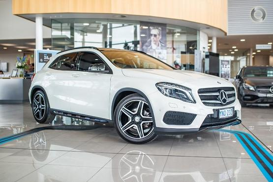 2015 Mercedes-Benz <br>GLA 200 D