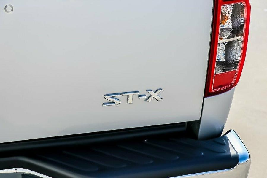 2013 Nissan Navara ST-X D40 Series 5