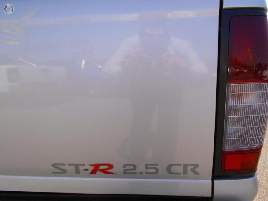2013 Nissan Navara ST-R