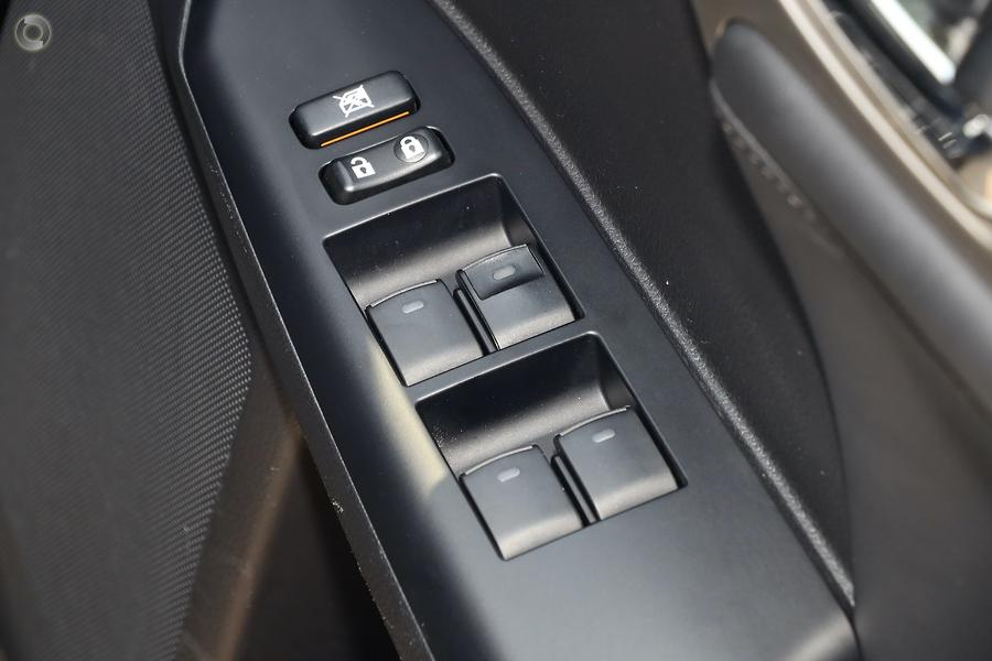 2014 Lexus CT CT200h Luxury ZWA10R