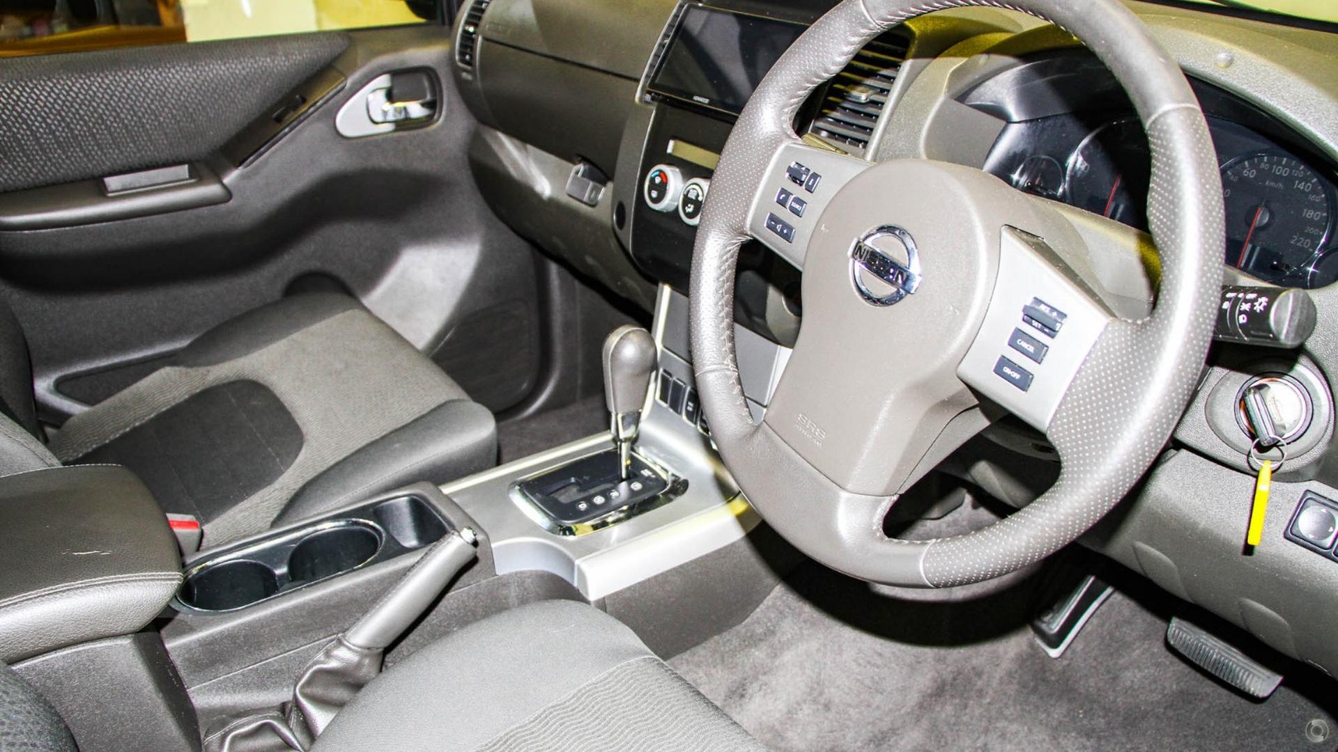 2013 Nissan Navara ST-X 550 D40 Series 5