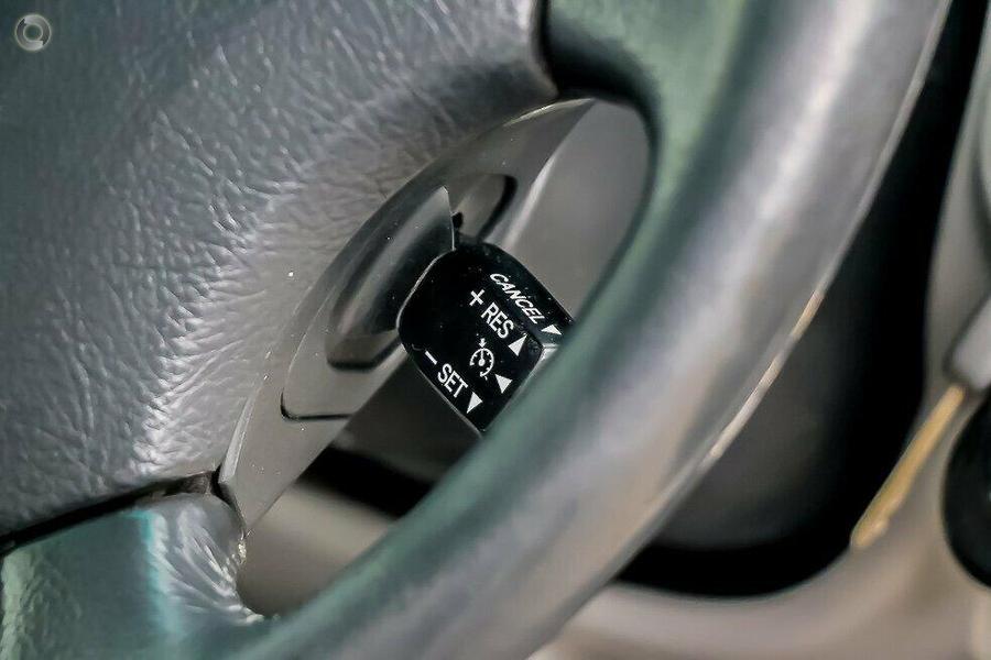 2004 Toyota Landcruiser GXL UZJ100R