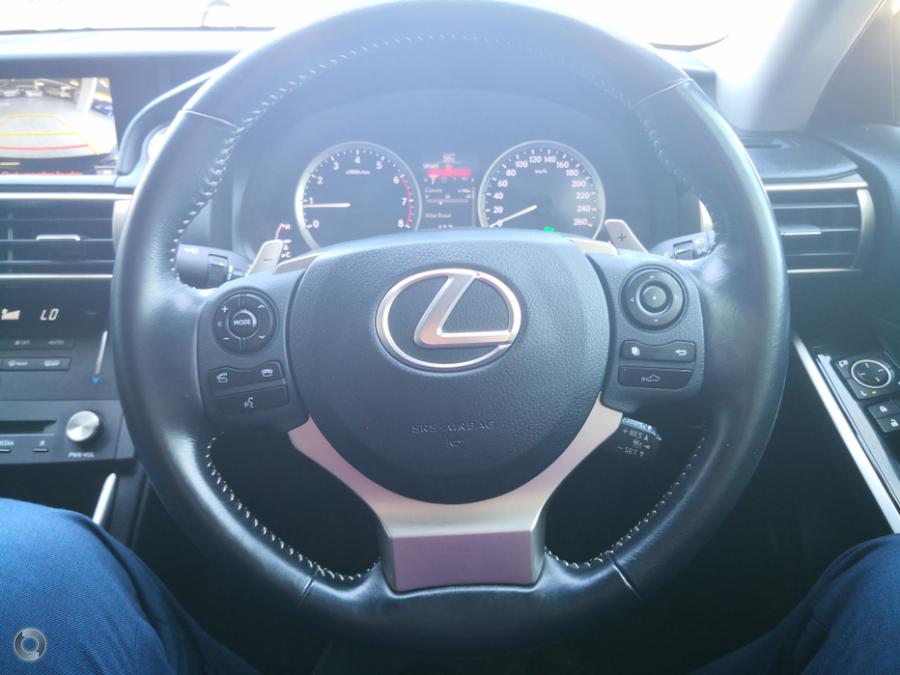 2015 Lexus IS200t Luxury ASE30R
