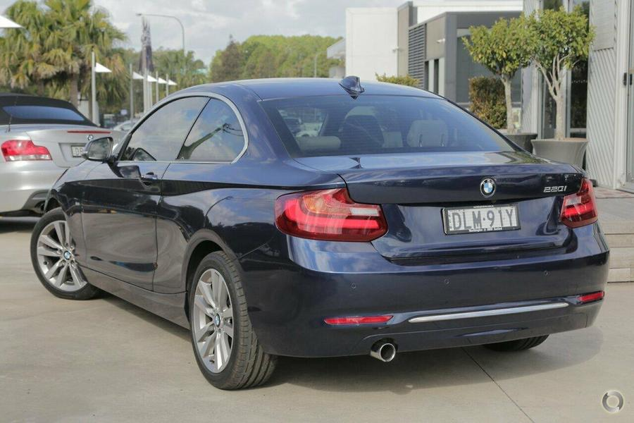 2015 BMW 220i Luxury Line