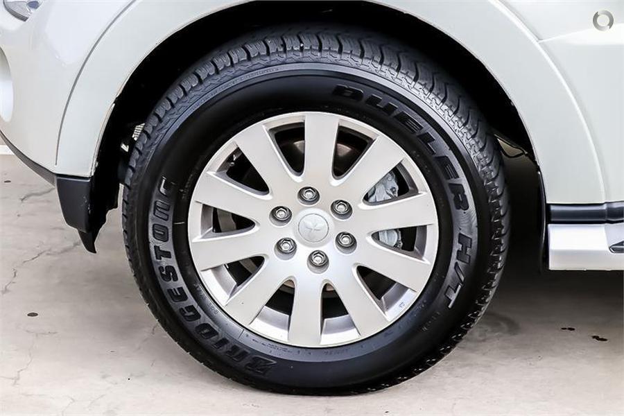 2007 Mitsubishi Pajero Exceed NS