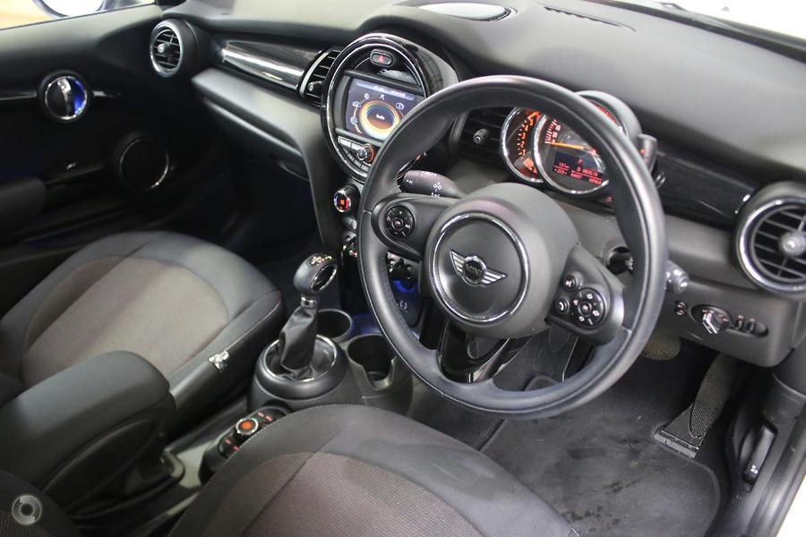 2014 MINI Hatch Cooper D