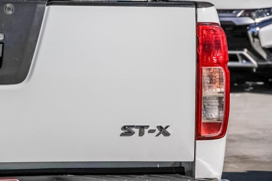 2012 Nissan Navara ST-X 550