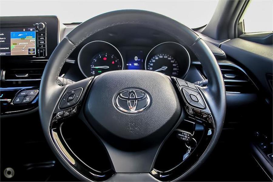 2017 Toyota C-hr  NGX10R