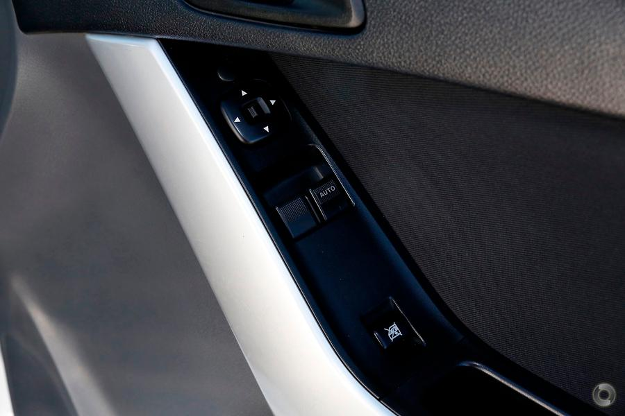 2015 Mazda BT-50 XT UR