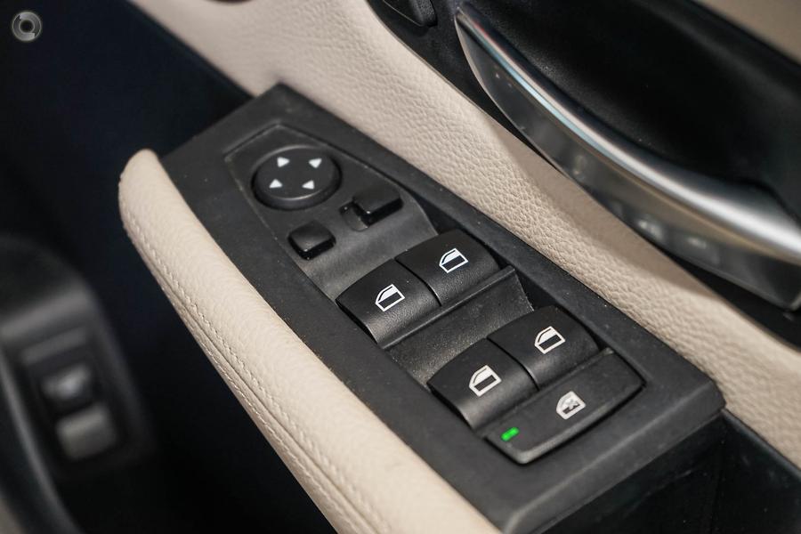 2015 BMW 220i Luxury Line