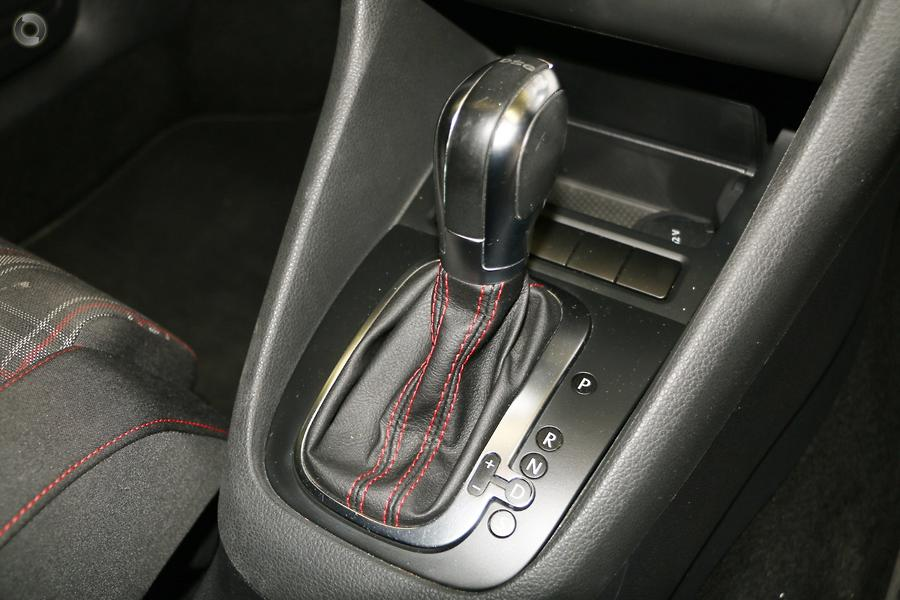 2011 Volkswagen Golf GTI VI