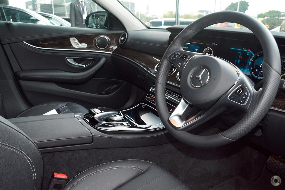 2017 Mercedes-Benz E 220 Sedan