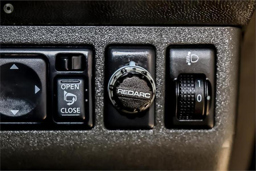 2014 Nissan Navara ST-X 550 D40 Series 5