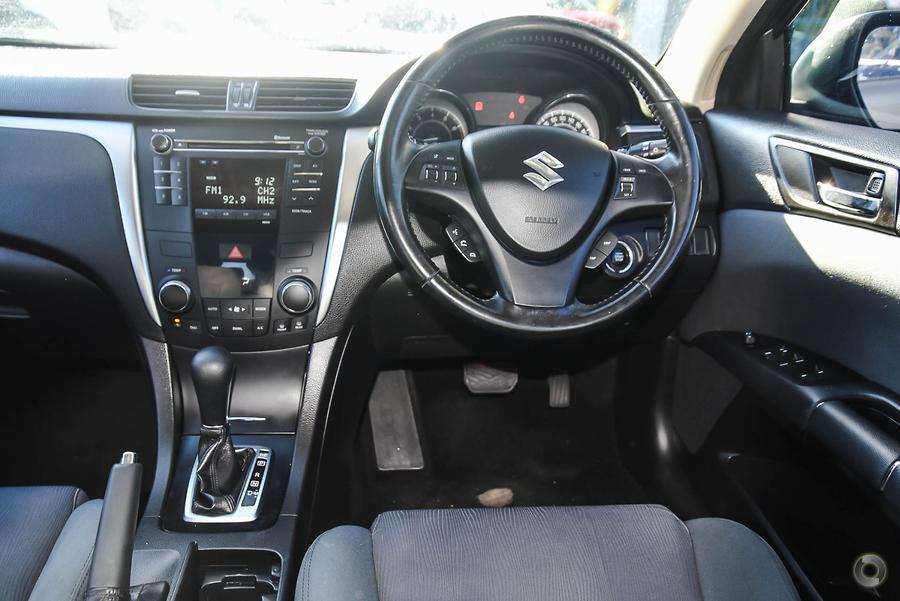 2012 Suzuki Kizashi Touring FR
