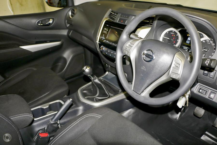 2017 Nissan Navara SL