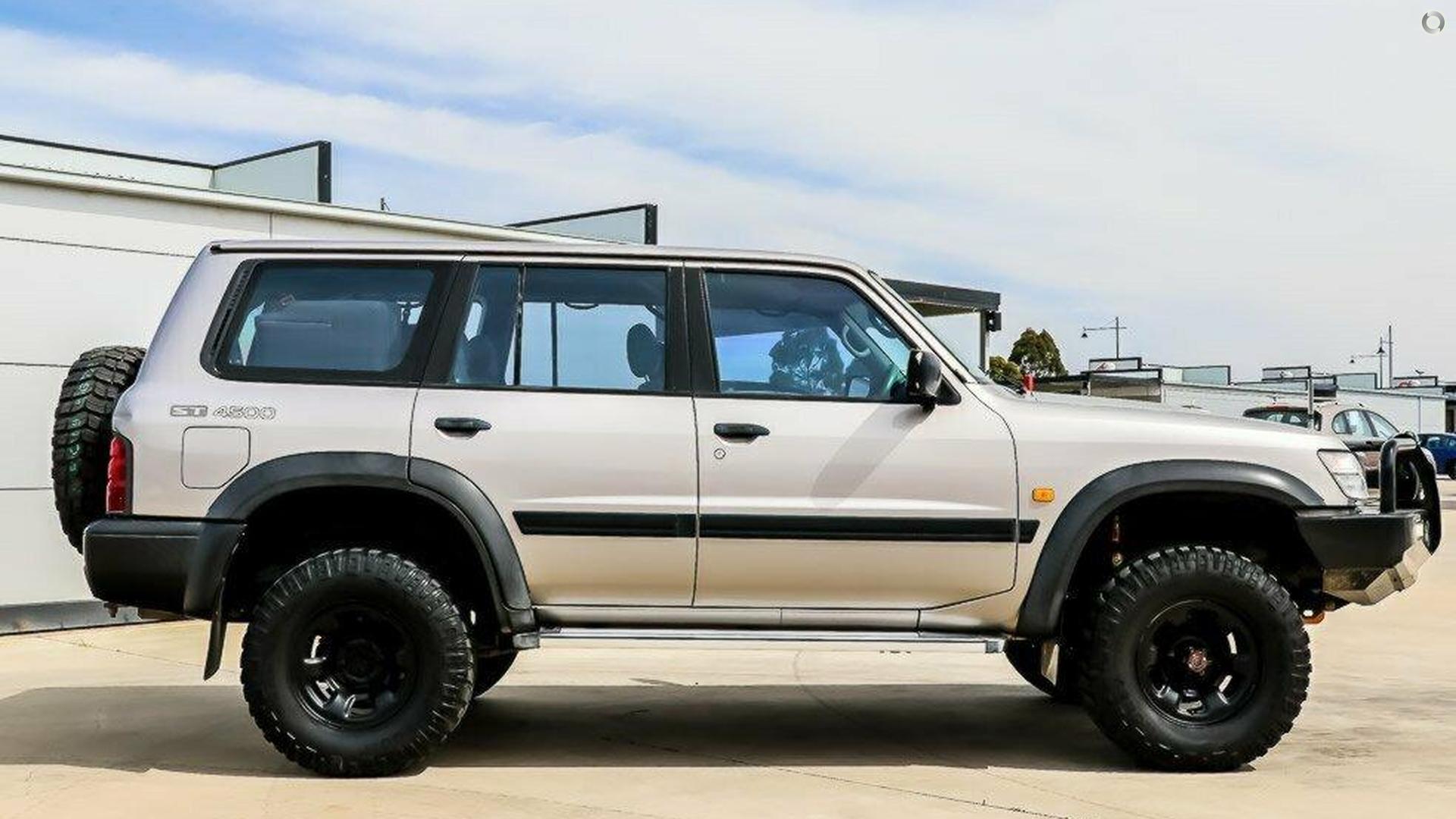 1997 Nissan Patrol ST GU