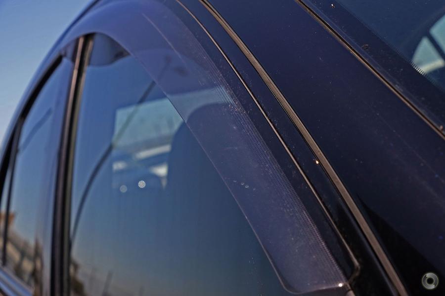 2011 Nissan Micra ST-L