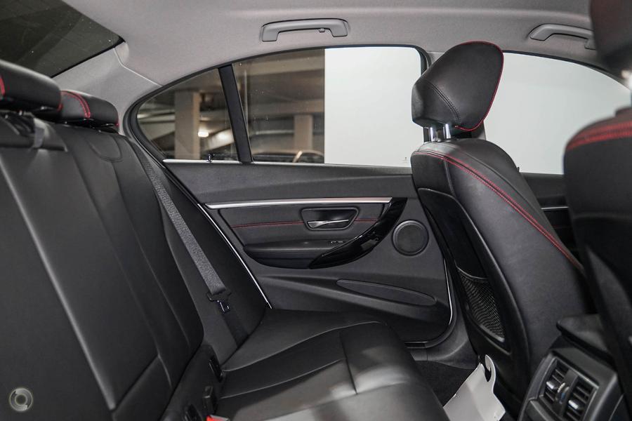 2016 BMW 318i Sport Line