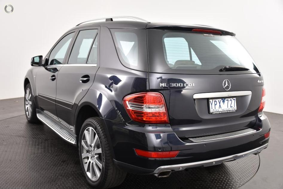 2011 Mercedes-Benz ML 300 CDI BLUEEFFICIENCY Wagon