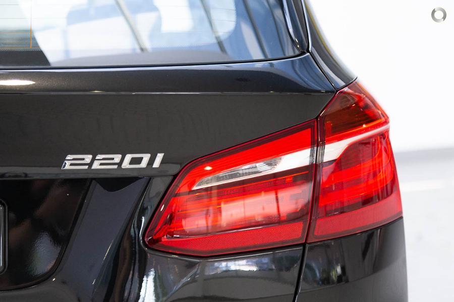 2017 BMW 220i M Sport